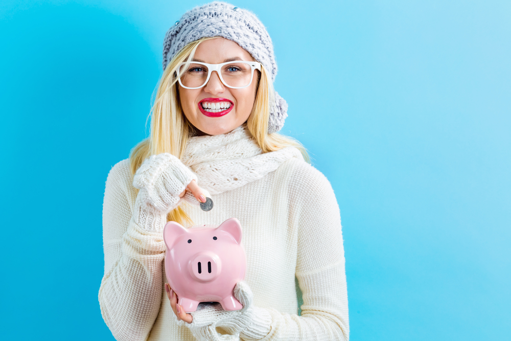10 ways to save money during the holidays