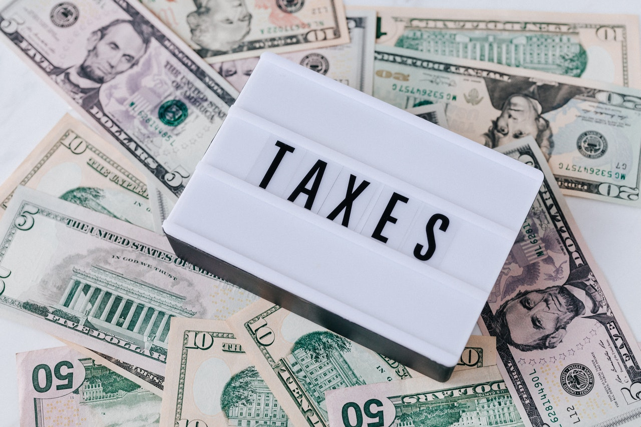Does Owing Taxes Affect Credit Score
